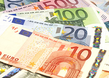 Currency Trends Can Affect The Ing Of British Travellers In Europe Pound Curly Has A Favourable Exchange Rate Against Euro